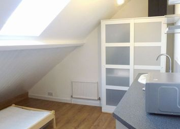 Thumbnail 1 bed property to rent in Replingham Road, Southfields