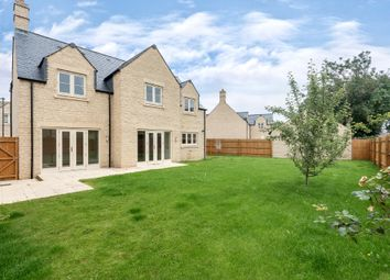 Thumbnail 5 bed detached house for sale in Pips Field Way, Fairford