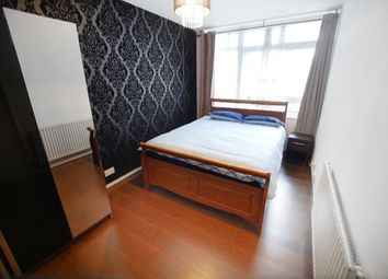 Thumbnail Room to rent in Headley House 26, Canary Wharf