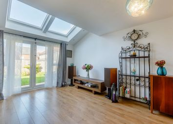 3 Bedrooms Semi-detached house for sale in Stephenson Grove, Rainhill, Prescot, Merseyside L35