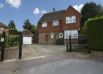 Thumbnail 4 bedroom detached house for sale in Fairgreen, Hadley Wood