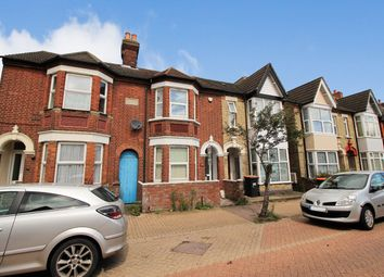 Thumbnail 5 bed terraced house to rent in Stanley Street, Bedford