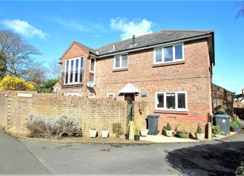 Thumbnail 1 bed flat to rent in Lewes Road, East Grinstead