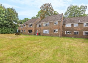 2 bed maisonette for sale in Waterloo Road, Crowthorne, Berkshire RG45