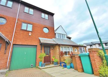Thumbnail 4 bed town house to rent in Quayside Close, Nottingham