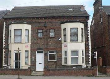 Thumbnail 1 bed flat to rent in Old Bedford Road, Luton