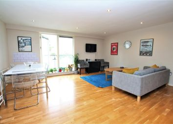 2 bed flat to rent in West Street, Brighton BN1