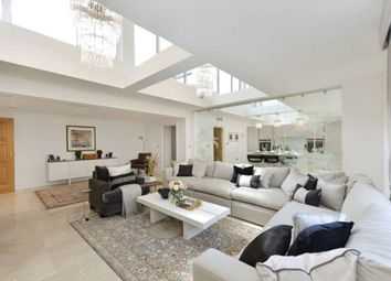 Thumbnail 4 bed flat to rent in York Terrace West, London