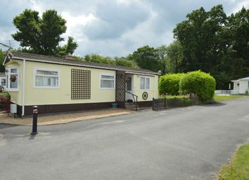 Thumbnail 1 bed mobile/park home for sale in Duffins Orchard, Ottershaw, Chertsey