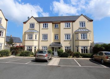 Thumbnail 2 bed flat to rent in Stryd Y Wennol, Ruthin