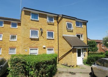 Thumbnail 1 bed flat to rent in Valley Green, Hemel Hempstead