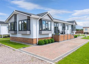 Thumbnail 2 bed mobile/park home for sale in Topiary Park, Honeybourne Road, Bidford-On-Avon, Alcester