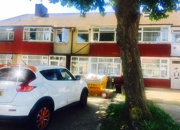 Thumbnail 1 bed flat to rent in Wentworth Road, Norwood Green/Southall