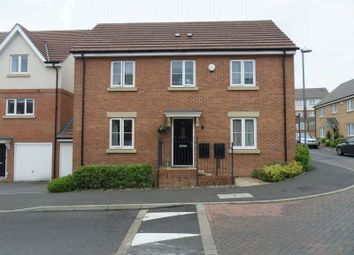 Thumbnail 4 bed detached house to rent in Morris Avenue, Uxbridge