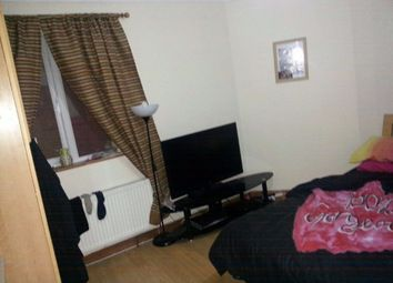 Thumbnail 3 bed duplex to rent in Wickham Road, Croydon