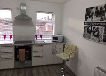 Thumbnail 5 bedroom town house to rent in Austhorpe Road, Leeds