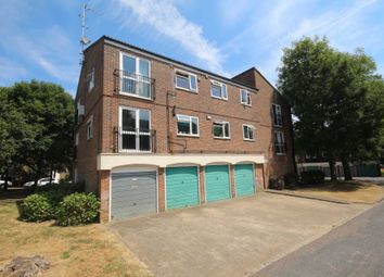 Thumbnail 2 bed flat for sale in Ladybank, Bracknell