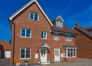 3 bed semi-detached house for sale in Parsons Way, Tongham GU10