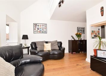 2 bed maisonette to rent in Hope Close, Sutton SM1