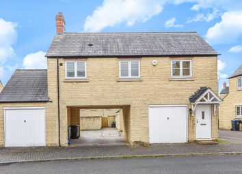 Thumbnail 1 bed flat to rent in Pine Rise, Witney