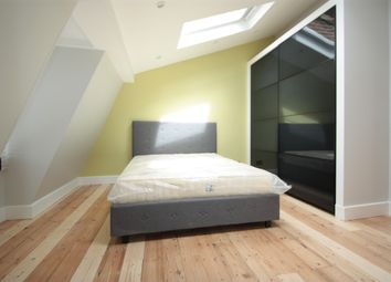 Thumbnail 1 bedroom flat to rent in Clapham Road, Clapham North
