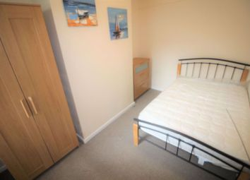 Thumbnail 4 bed property to rent in Redcliffe Street, Swindon