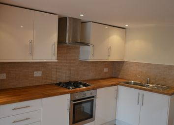 Thumbnail 2 bedroom flat for sale in Feacey Down, Hemel Hempstead