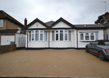 Thumbnail 3 bed bungalow to rent in Links Way, Croxley Green, Rickmansworth