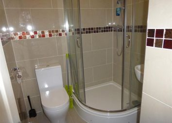 Thumbnail 2 bed flat to rent in Romsey Road, Shirley, Southampton