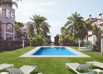Thumbnail 2 bed apartment for sale in Marbella, Málaga, Spain