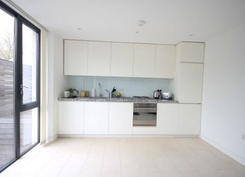 Thumbnail 2 Bedroom Flat To Rent In Oval Road London