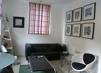 Thumbnail 1 bed flat to rent in Newland Street, Gloucester