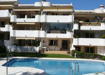 Thumbnail 3 bed apartment for sale in Calahonda, Malaga, Spain