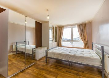 Thumbnail 2 bedroom flat to rent in Bartholomew Court, Canary Wharf