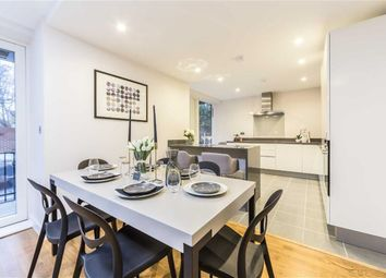 Thumbnail 3 bed flat for sale in Kings Avenue, Kings Lodge, Clapham