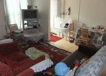 Thumbnail 4 bed flat to rent in Carnarvon Road, Reading