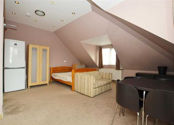 Thumbnail 1 bed flat to rent in Great West Road, Osterley, Isleworth