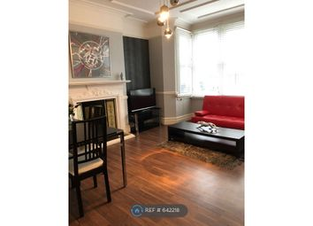 Room to rent in Wolverton Mansions, London W5