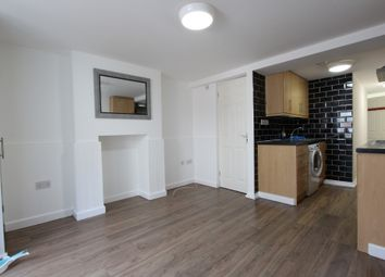 Thumbnail 2 bed flat to rent in Kingsley Road, Maidstone, Kent