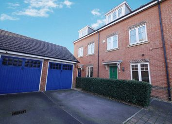 Thumbnail 4 bed town house for sale in Sovereign Place, Wallingford