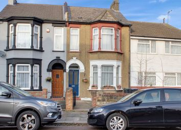 Thumbnail 1 bed flat for sale in Beaconsfield Road, Enfield