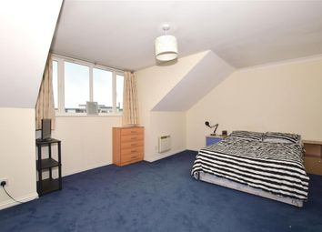 1 bed flat for sale in Beverley Mews, Three Bridges, Crawley, West Sussex RH10