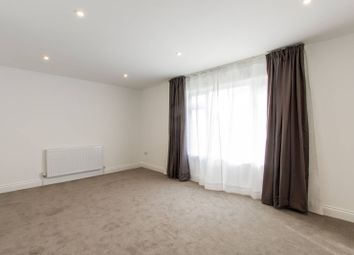 Thumbnail 2 bedroom maisonette to rent in Denton Close, High Barnet