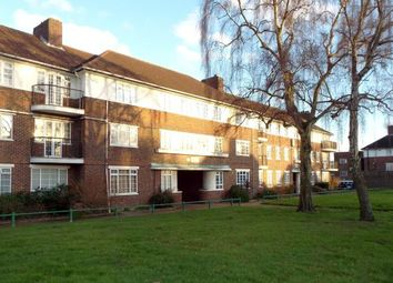 Thumbnail 1 bedroom flat for sale in Ashridge Court, Reservoir Road, Oakwood, London