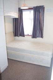 Thumbnail 4 bed shared accommodation to rent in Park Road, London