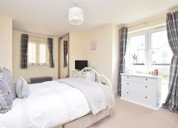 Thumbnail 2 bed flat for sale in Kilnwood Close, Faygate, Horsham, West Sussex