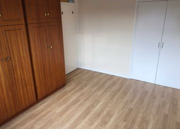 Thumbnail Room to rent in Queensway, Caversham, Reading