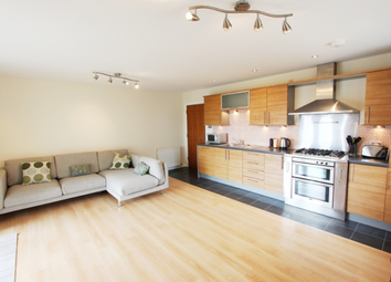 Thumbnail 2 bed flat to rent in Lindsay Road, The Shore, Edinburgh, 6Pd