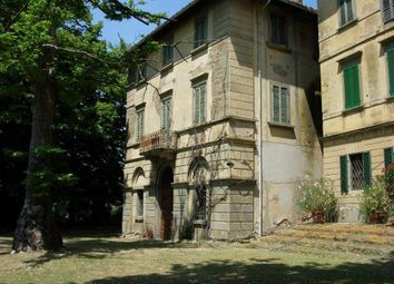 Thumbnail Property for sale in Valtiberina, Arezzo, Tuscany