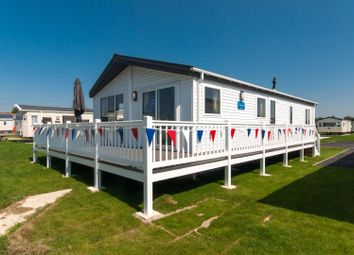 Thumbnail 2 bedroom mobile/park home for sale in Faversham Road, Seasalter, Whitstable
